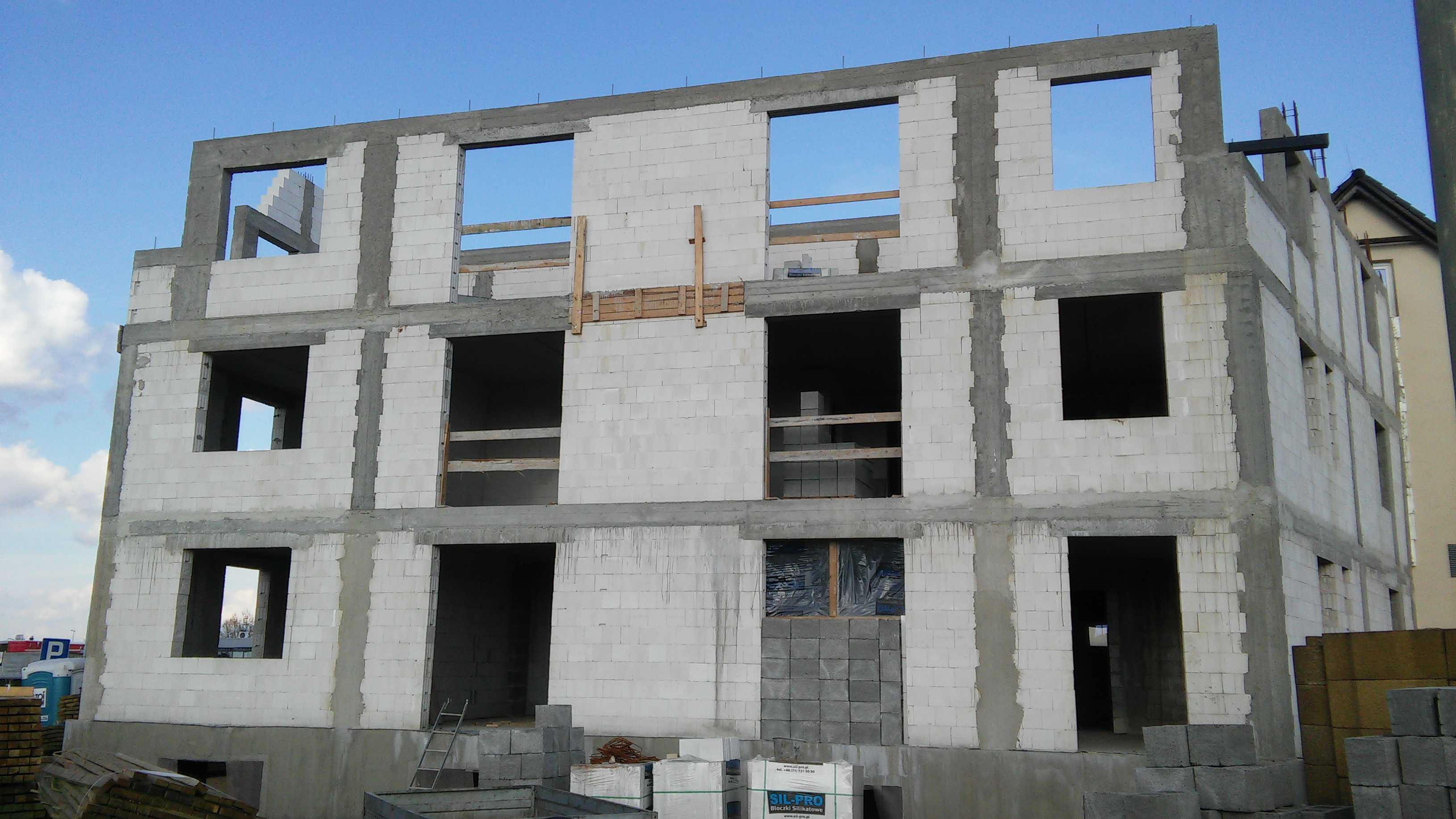 widok na ściany zewnętrzne